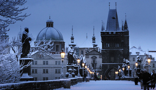 Češka - Page 2 Charles-Bridge-Statues