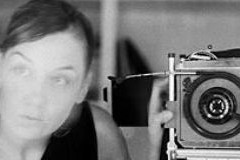 "Decembarski ŽENSKI DAN: Radionica fotografije ""Portret žene"""