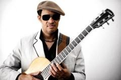 Raul Midon prvi put svira BEZ OKLEVANJA. Bitefartcafe najavljuje festival Musicology!