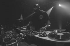STINGRAY: DJ sa fantomkom na glavi gostuje u TECHNO katedrali!