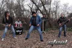 ČELIČNI I OSEĆAJNI: Na rokenrol sceni pojavio se beogradski sastav STEEL