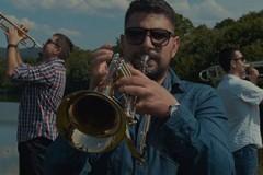 Pogledajte Glupost: Zajednički spot bendova S.A.R.S. i Ničim izazvan