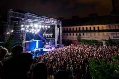 EXIT na DEV9T: Die Antwoord uz glasove 7.000 fanova oterali kišu!