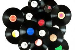 Sredom samo vinil: DJ Petko i DJ Iron vrte ploče na Povetu!
