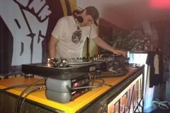 Osim zabavne, DJ mora da ima i edukativnu funkciju
