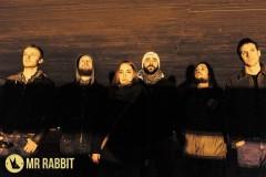 Mr. Rabbit promoviše Postmodernu Komediju na koncertu u Domu omladine