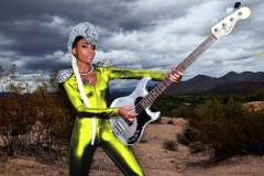 Nick West na Nišvilu: Punokrvni funk u ženskom bas ključu