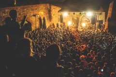 MORTAL KOMBAT: Barutana postala pretesna za Antievroviziju