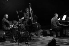 EKSKLUZIVNI KONCERT: Vasil Hadžimanov Piano Trio u Klubu književnika