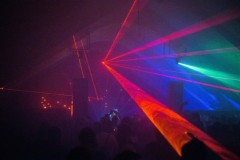 Novogodišnji parti u Dragstoru na tri bine sa Phase Fatale-om, JASSS i Red Light Radio ekipom