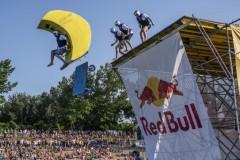 Red Bull Flugtag održan je na Adi Ciganliji pred više od 50 hiljada gledalaca