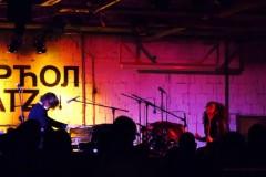 """James Leg i """"Cattie"""" na bubnjevima  rastresli ponedeljak veče!"""