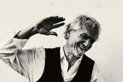 Darko Rundek vas poziva da operete uz pesmu Ruke!