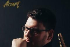 Glumac Srđan Timarov u novoj pesmi Acarta