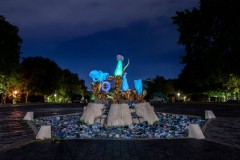 Umetničke instalacije u parku ispred Muzeja Jugoslavije na 58. Oktobarskom salonu