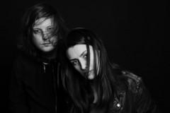 """Emma i Jimmy predstavljaju hipnotični novi singl """"Nazad"""""""