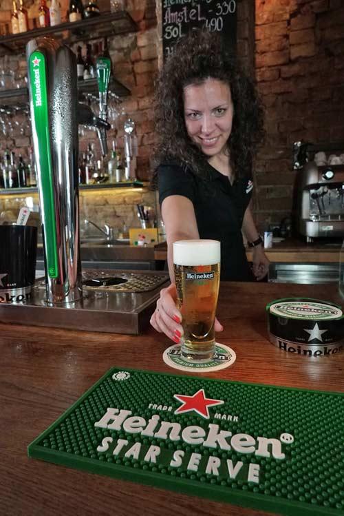 Heineken: Pet koraka do savršenog točenog piva!