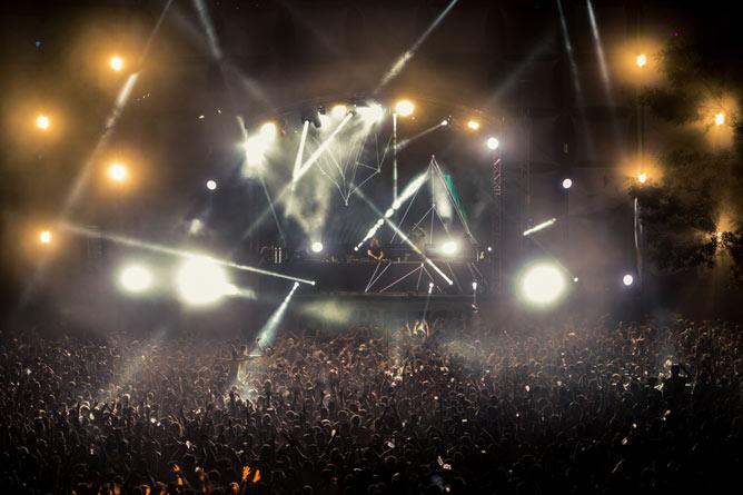 Lovefest 2015: Spektakularni završetak festivala ljubavi! Više od 70.000 ljudi posetilo deveto izdanje Lovefesta