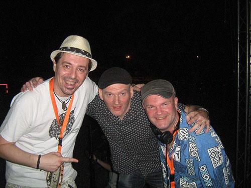 Funky Junkie, Simon & Robin Lee