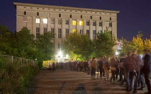U Berghainu zabranjeni kućni ljubimci?!   Berlin Clubbing