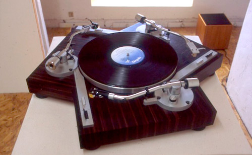 Gramofon od gramofona | Kakav je to DJ koji ne ume da vrti ploče? Gramofoni na malo drugačiji način!