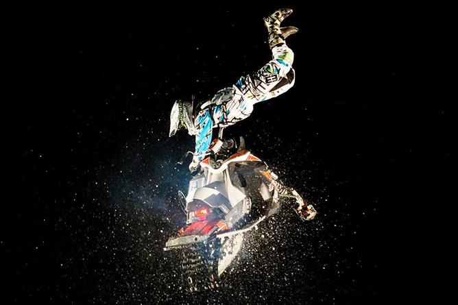 SnowMore Kopaonik 2016: Spektakl na motornim sankama! | ABC Park