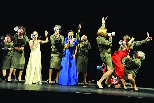 Scena iz predstave Rodoljupci / Foto: Vicencio Žaknić