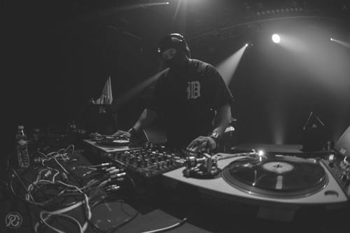 STINGRAY: DJ sa fantomkom na glavi gostuje u TECHNO katedrali! | Klub Drugstore | Beograd | 2015