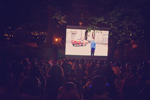 Bioskop na otvorenom na Beogradskom Manifestu