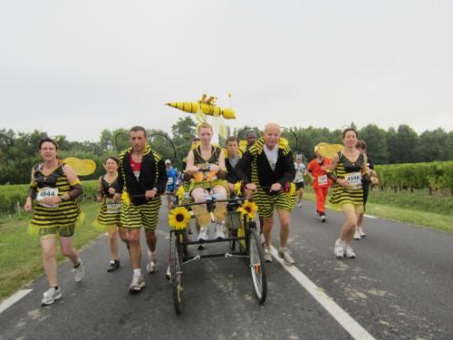 Vinski maraton - kostimirani učesnici