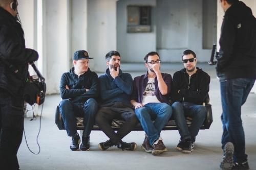 Vatru zvanično čine 4 DJ-a: 50 Grass (Jakov Ponjavić), Inspektor (Miloš Parezanović), Фake Super (Konstantin Perišic) i Byp_ (Stevan Šoškic)