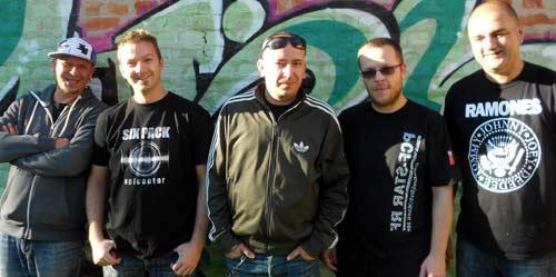 SIX PACK: Kultni pank rok bend obeležava 20 godina karijere!   Klub Quarter, Novi Sad 2015