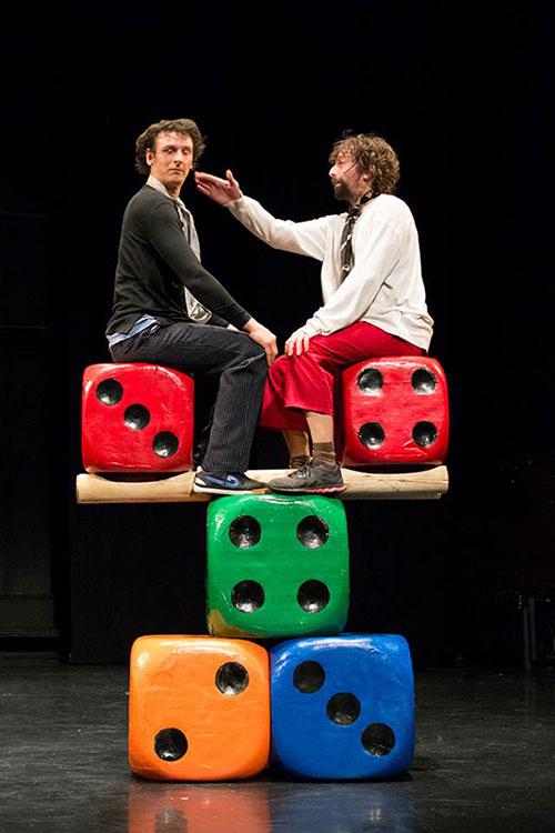Cirkobalkana: Scena iz predstave Demagog
