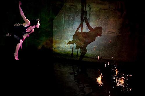 Cirkobalkana: Scena iz predstave Somiru